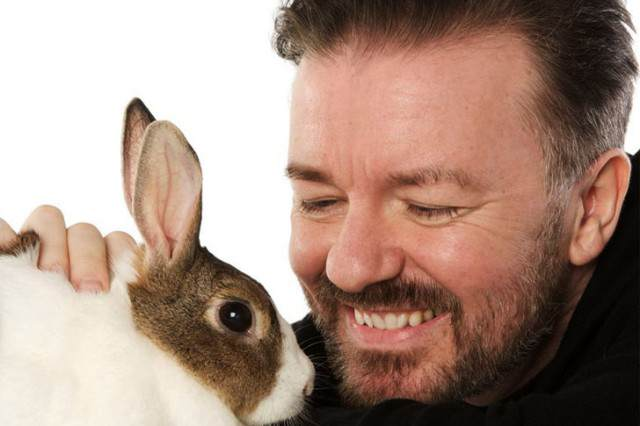 Ricky Gervais Reminds UK Of David Camerons Promise To Repeal Fox Hunting Ban Gervais animals 640x426