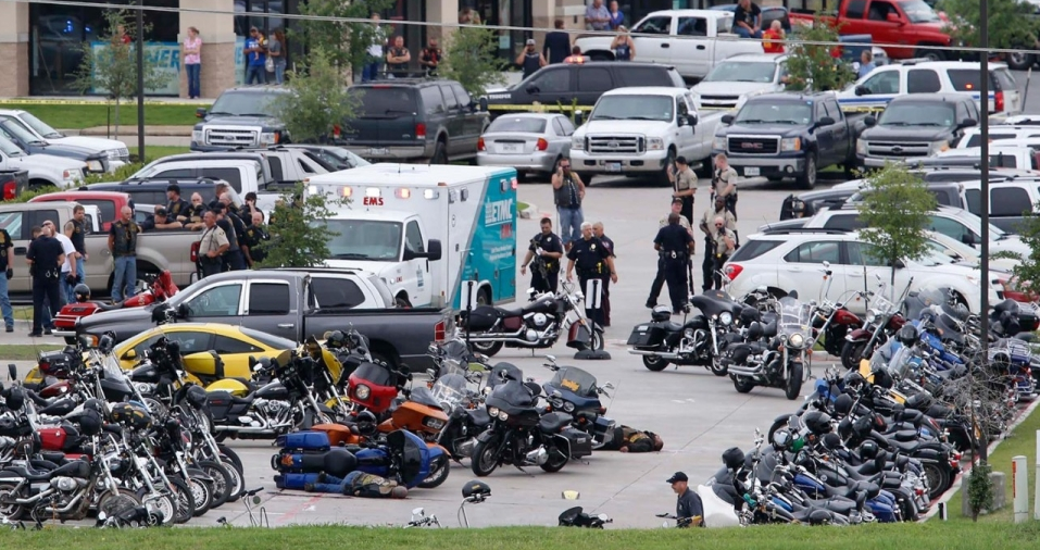 Police Confiscated 320 Weapons From Texas Biker Gang Shootout Screen Shot 2015 05 21 at 11.30.31