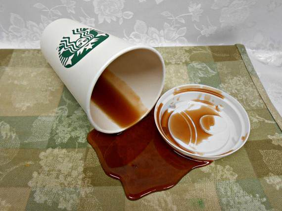 Police Officer Sues Starbucks After Spilling Free Coffee On His Own Lap Starbucks spill 570x426