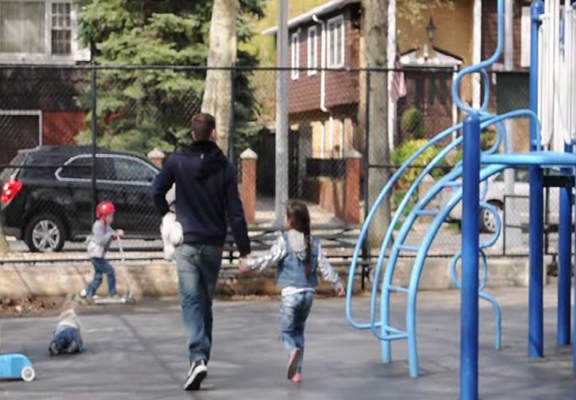 This Child Abduction Social Experiment Will Really Worry Parents Stranger Danger WEB