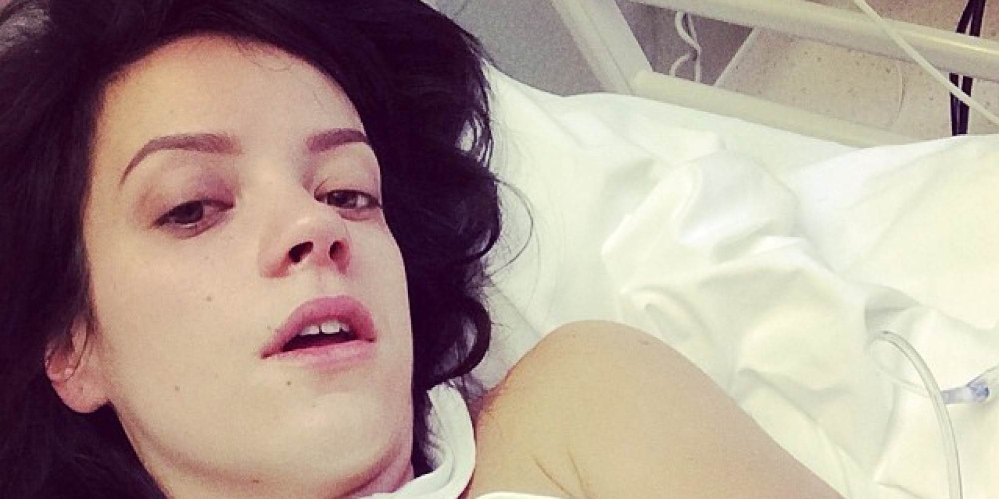 Lily Allen Shares Holiday Snap, Shes Taking A Vibrator And A Dictionary Apparently allen1