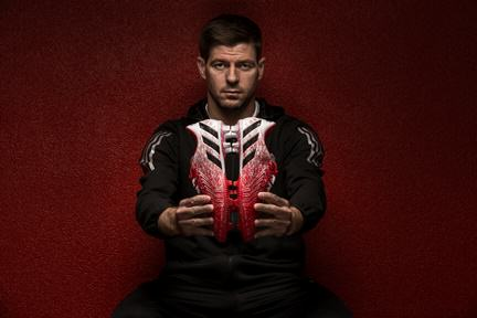 The Boots Steven Gerrard Wore In His Last Anfield Match Were Pretty Incredible gerrard boots 2