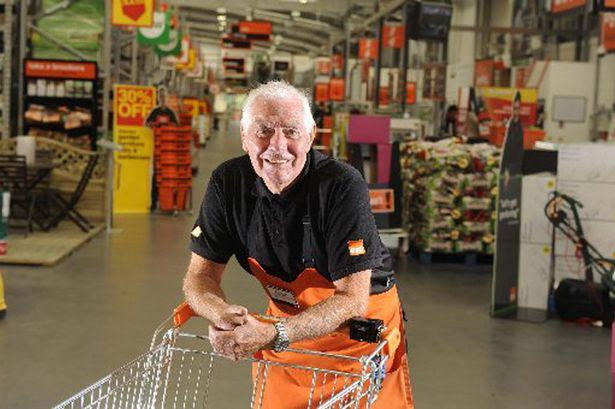 War Veteran, 82, Sacked By B&Q For Leaving Till Open For 3 Minutes ivor smith 2