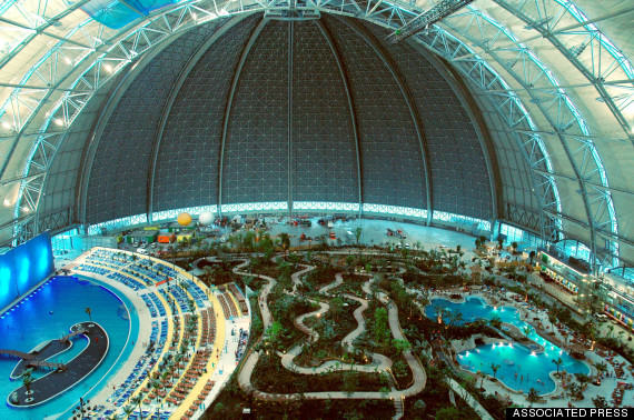This Massive Aircraft Hangar In Germany Is Actually A Tropical Island Paradise o TROPICAL ISLAND GERMANY 570