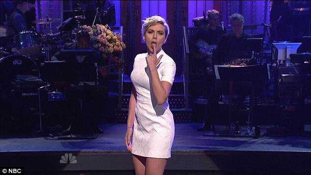 Scarlett Johansson Sings Very Sexual Lullaby On SNL, You Need To See This scarlett