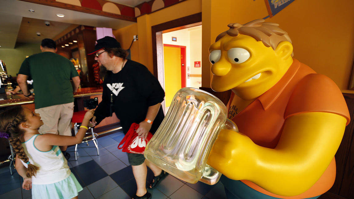 Springfield Comes To Life As Universal Studios Opens The Home Of The Simpsons sideshow bob 1