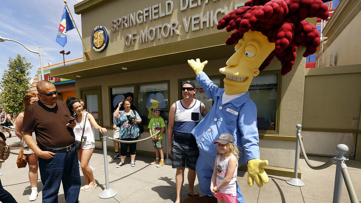 Springfield Comes To Life As Universal Studios Opens The Home Of The Simpsons sideshow bob