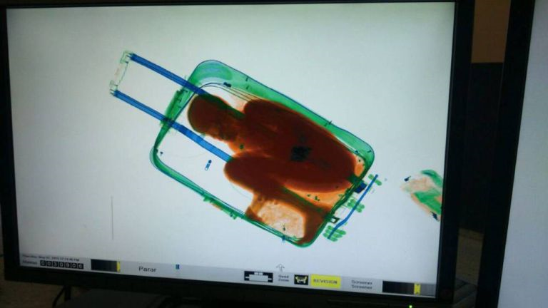 Eight Year Old Immigrant Caught In Suitcase Trying To Get Into Spain spain11