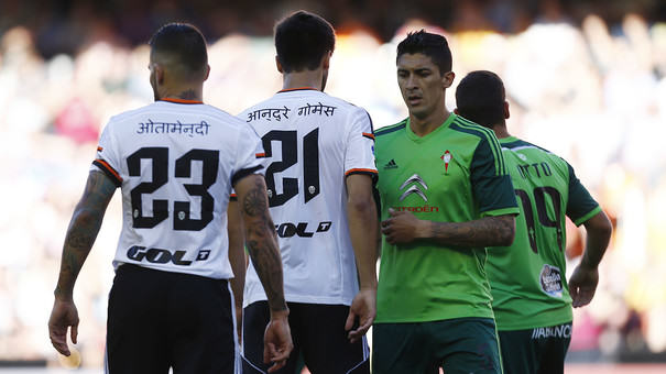 Valencia Players Wear Shirts With Nepali Writing To Raise Money For The Country valencia nepal