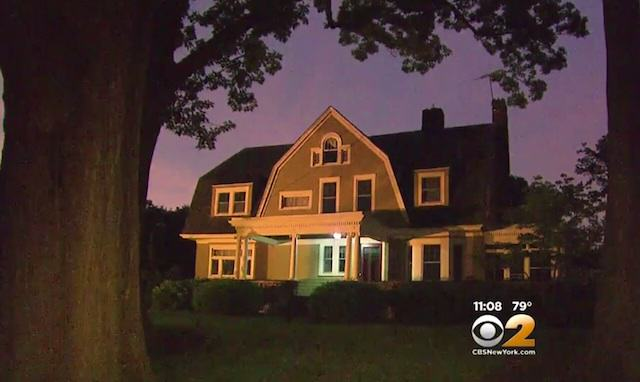 Family Abandon $1.3M Home After Receiving Chilling Anonymous Letter 062415house