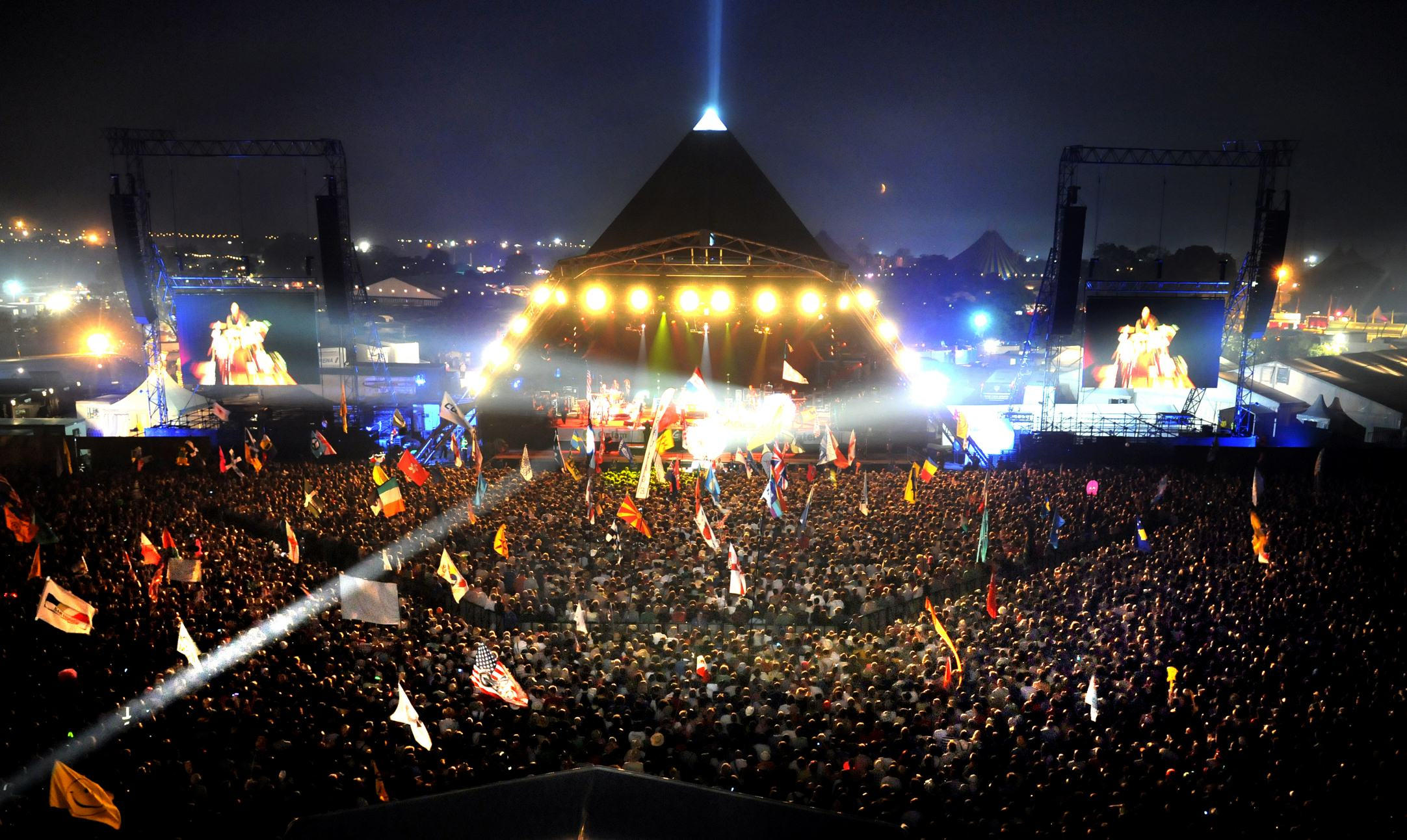 Plonker Accidentally Eats Glastonbury Tickets As Prank Goes Wrong 1139