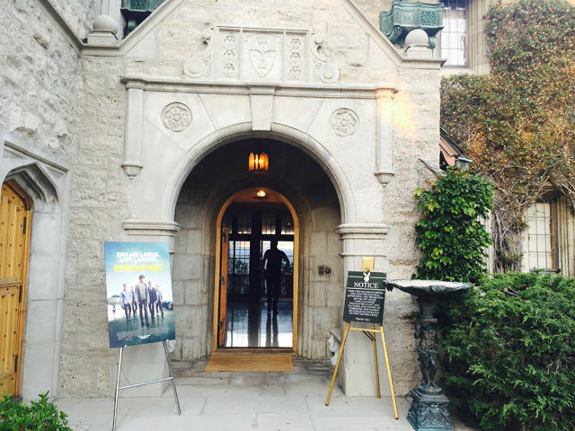 We Were Invited To The Playboy Mansion To Watch Entourage And It Was Exactly What We Expected! Playboy Mansion 1