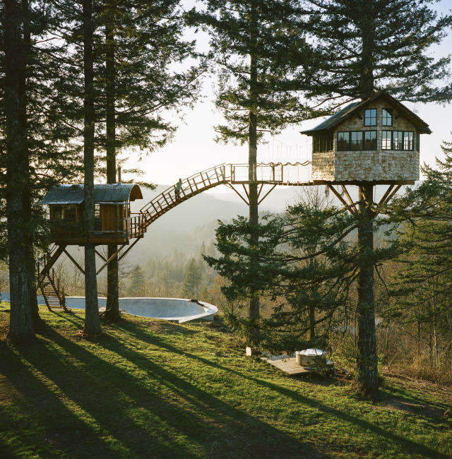 Guy Quits His Job To Build Insane Treehouse, Has Zero Regrets cinder cone 1