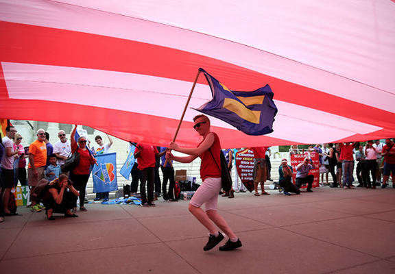 Gay Marriage Is Now Legal Across The United States gaymar web