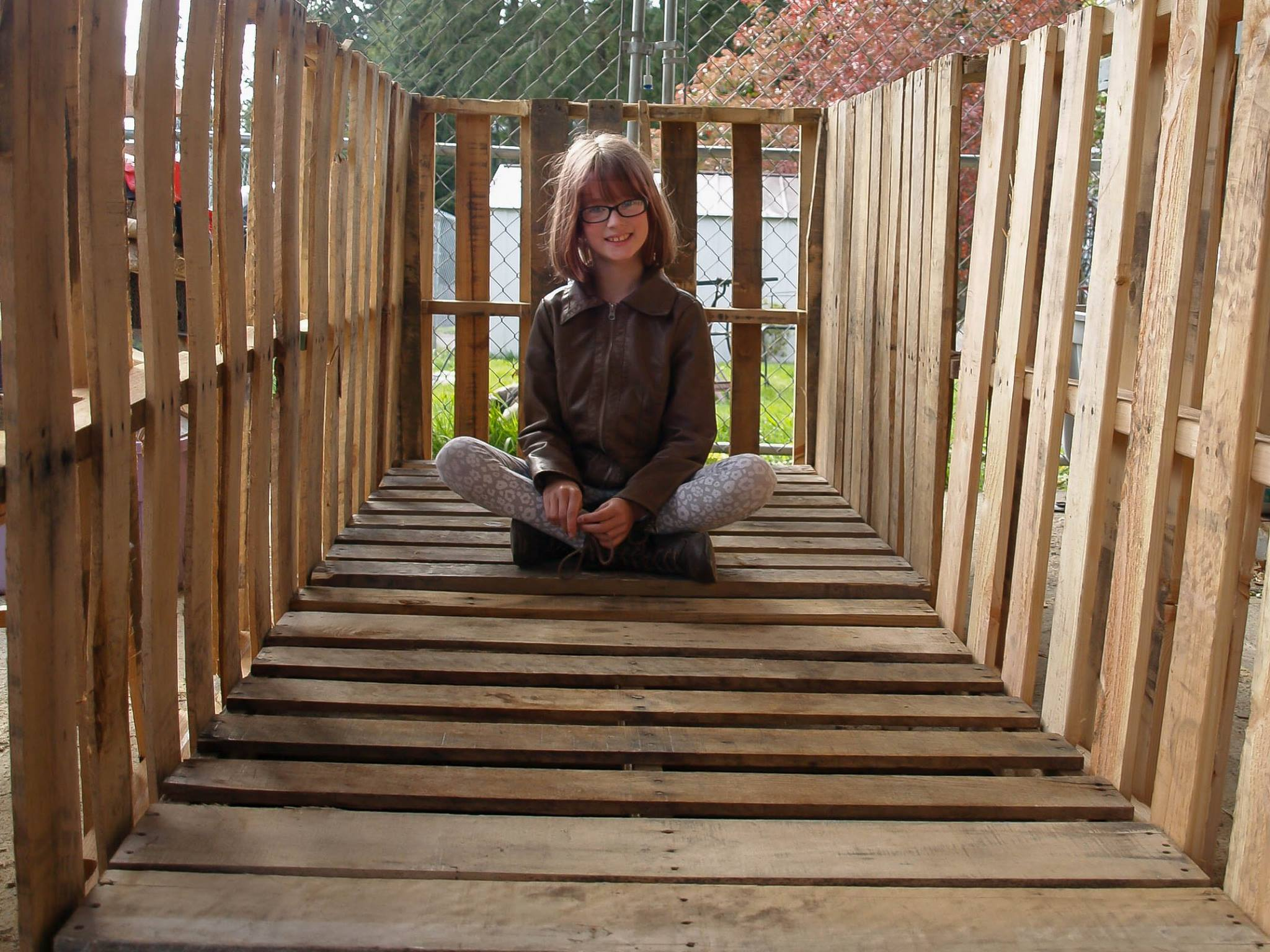 Inspirational 9 Year Old Girl Is Building Shelters For The Homeless hailey homeless 1