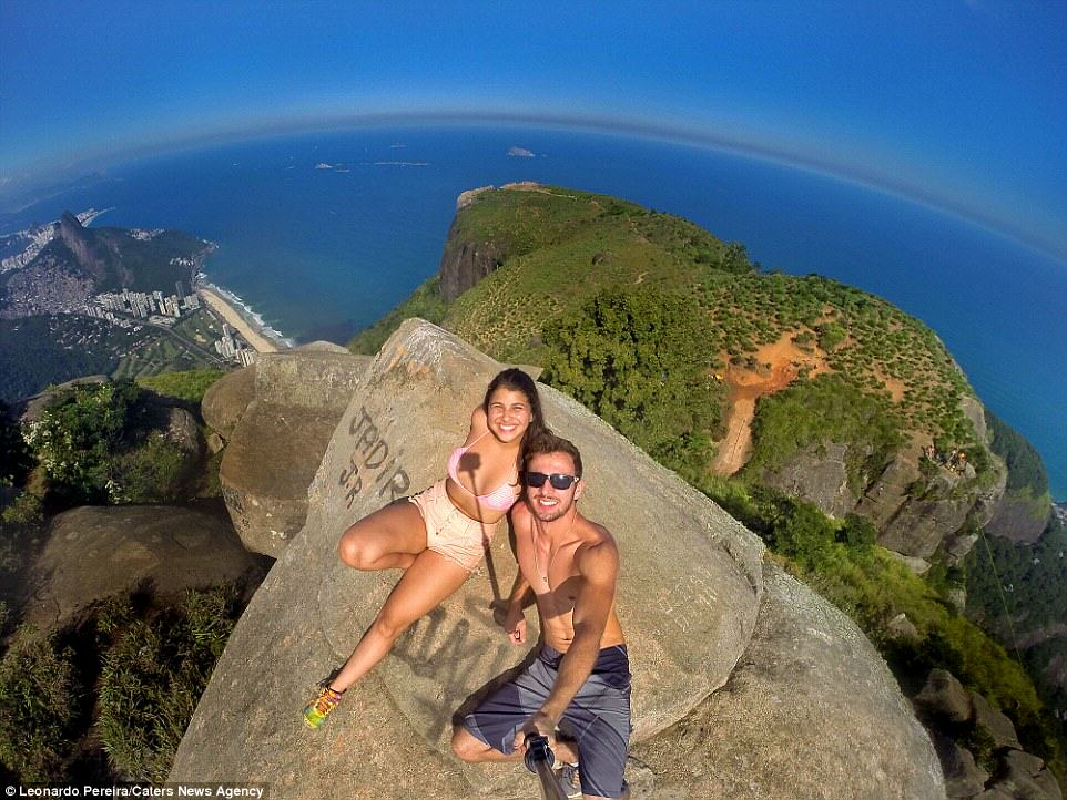 Nutcase Couple Hang From Cliff 2700ft Above Rio leo3
