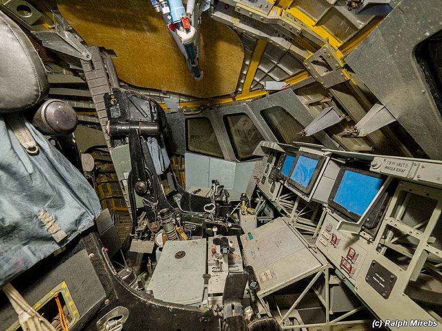 Urban Explorer Finds Lonely Remains Of The Soviet Space Shuttle Program nw spac 4