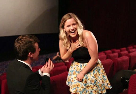 Aussie Guy Proposes In Cinema, Makes A Music Video From It proposalvid web