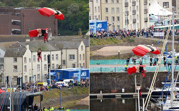Red Devils Parachutist Survives Fall After Being Caught By Friend When Chute Failed rdv3