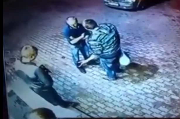 These Thugs Go And Rob Old Man, Get Schooled Because Hes An Ex Boxer russian men two