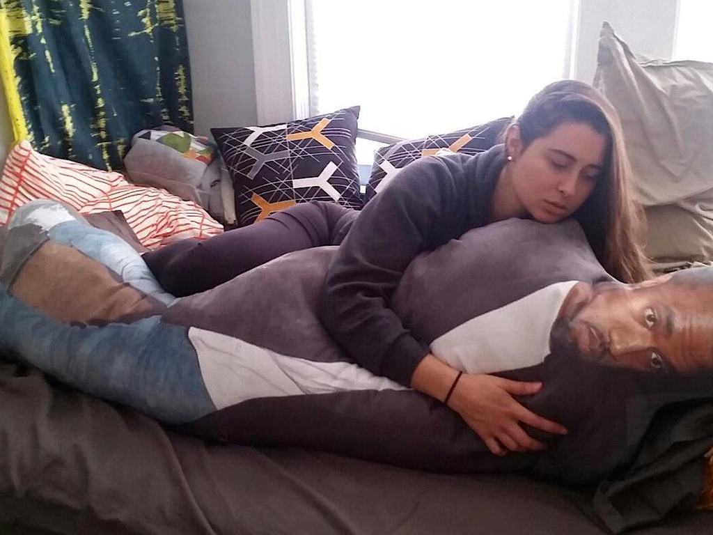 These Guys Want To Give Kanye This Lifesized Pillow Of Kanye 159