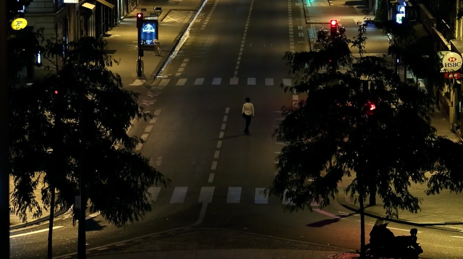 This Midnight Skate Through An Empty Paris Is Surreal 17
