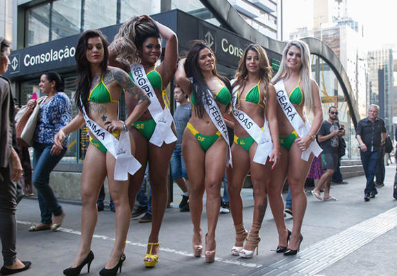 Brazilian Miss Bum Bum Models Strip To Promote Competition On Subway 55b65a49a64b9