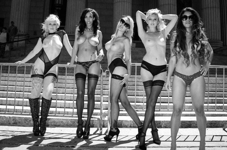Photographer Fights Censorship With Stunning Photos Of Topless Women 55b79ce5cead3
