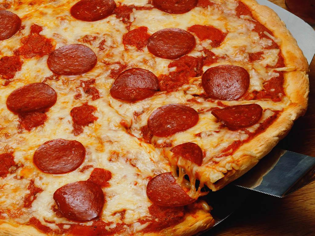 One Reddit User Is Buying Pizza For EVERYONE 55b91bec43b0f