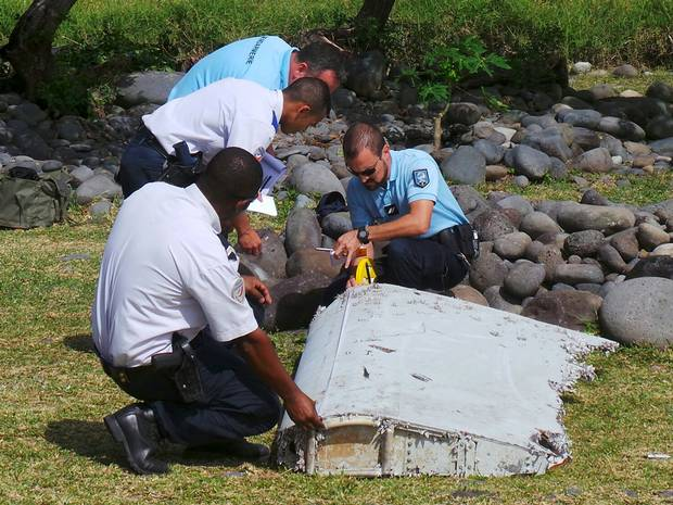 Debris Found On Island Could Be From Missing Malaysia Airlines Flight MH370 55ba05d3771f5