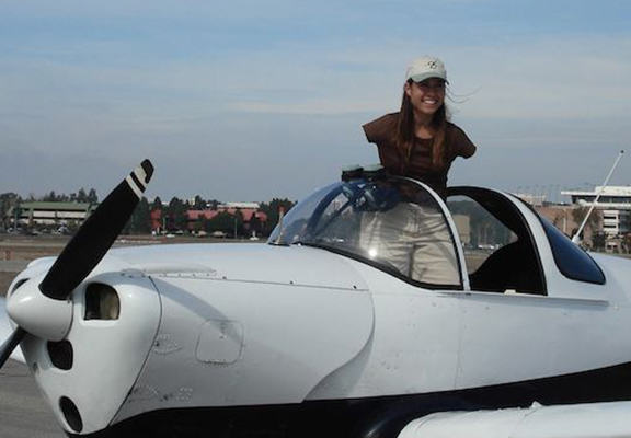 Inspiring Woman Born Without Arms Has Managed To Become A Pilot arms web