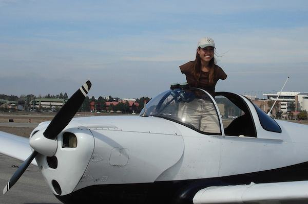 Inspiring Woman Born Without Arms Has Managed To Become A Pilot arms5