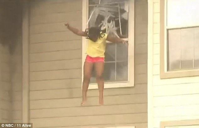 Two Girls Caught On Camera Being Forced To Jump Through A Window To Escape House Fire firewind