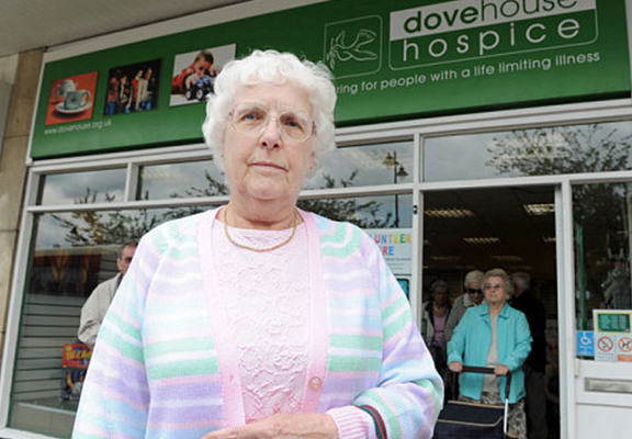 Grandma Sacked From Charity Shop For Not Being Able To Use PC gran wen
