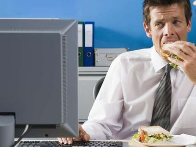 This Joke About Eating Your Lunch In Work, At Your Desk Is Too Real lunch