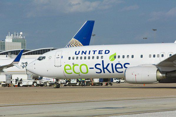 United Airlines To Use Animal Sh*t To Power Its Jets united airlines 2
