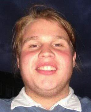 Guy Loses Eight Stone After Bullies Forced Him To Lose Weight U3alD8qwGPa Real Life 4.jpg