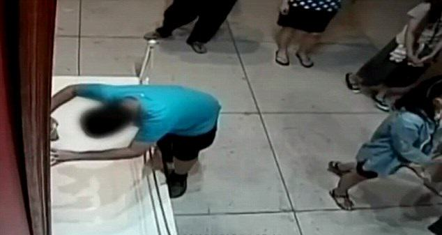 This Boy Slipped And Put His Fist Through A £1Million Painting UNILAD 1310