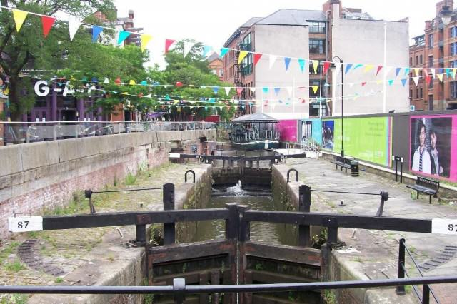 Is There A Serial Killer On The Loose In Manchester? UNILAD 5109798 Rochdale Canal Manchester Manchester3 640x426