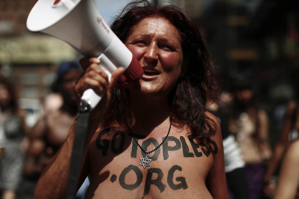 Topless Protestors Take On NY To Stop Mayor Banning Women Baring Their Boobs UNILAD AFP81