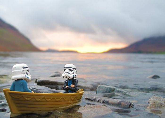 Awesome Photos Imagine What Stormtroopers Get Up To On Their Days Off UNILAD Boat lake casual2