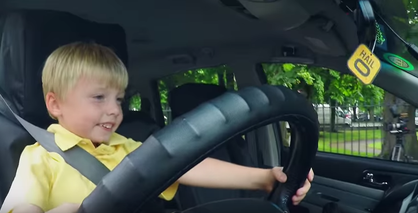 Three Year Old Taxi Driver Confuses People On Streets Of Dublin UNILAD DREpeFL