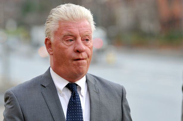 Has Derek Acorah FINALLY Got Proof Of A Ghost On Camera? UNILAD FSrznoZw2TM