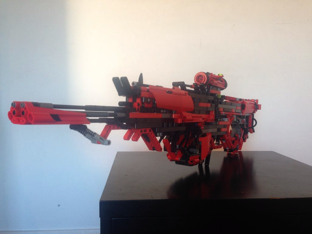 This Guy Created A Fully Working Gun Out Of Lego UNILAD HzZriZZ3