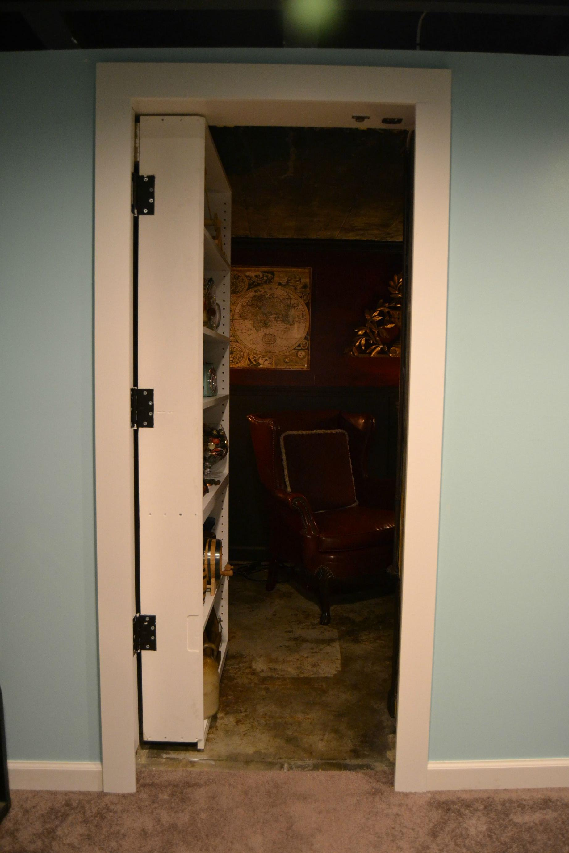 This Guy Built The Ultimate Room Behind A Secret Bookshelf Door UNILAD ImgurBaconJacobs 17