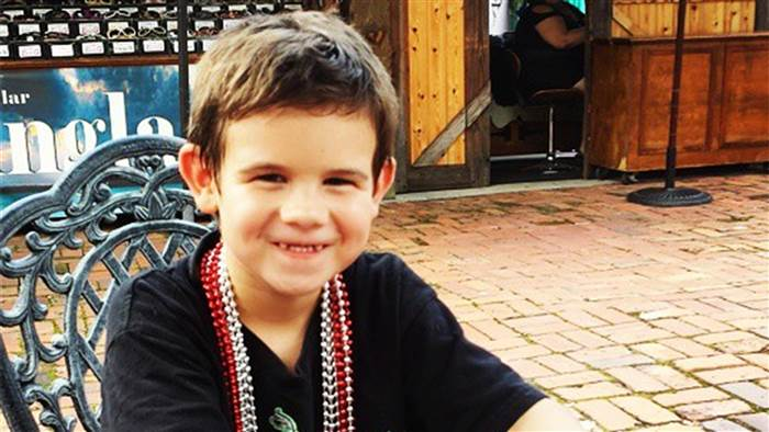 Boy Goes On Campaign To Get Everyone Smiling, After Tragic Death Of Both Parents UNILAD Instagram header5