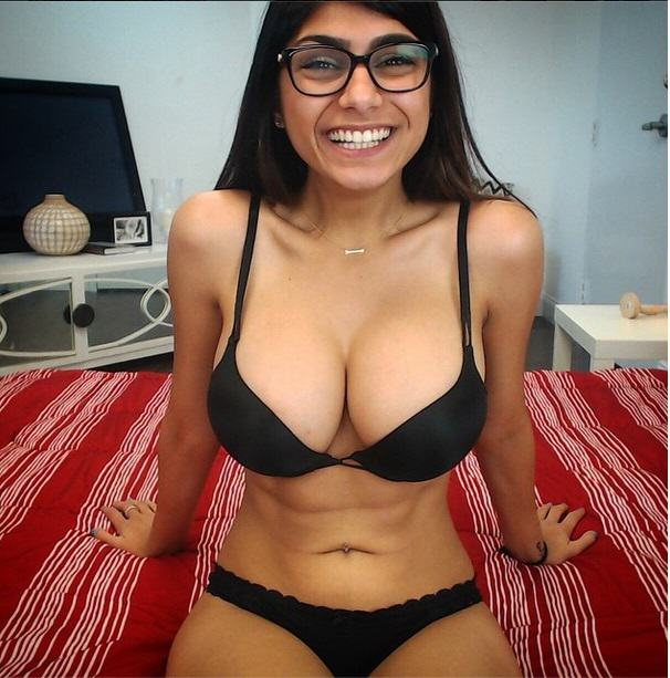 This Is What Happens To Your Brain When Youre Watching Porn UNILAD Mia Khalifa4