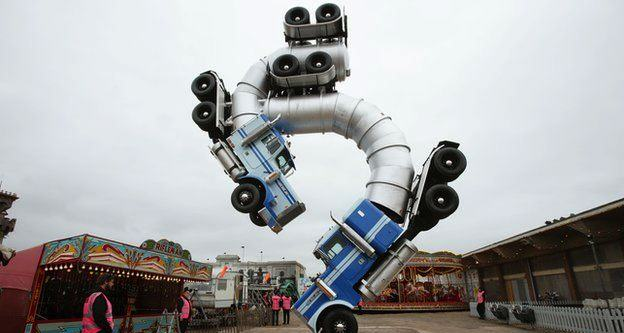 Pictures Of Banksys Theme Park Exhibition Show Its Unsuitable For Children' UNILAD PA 23