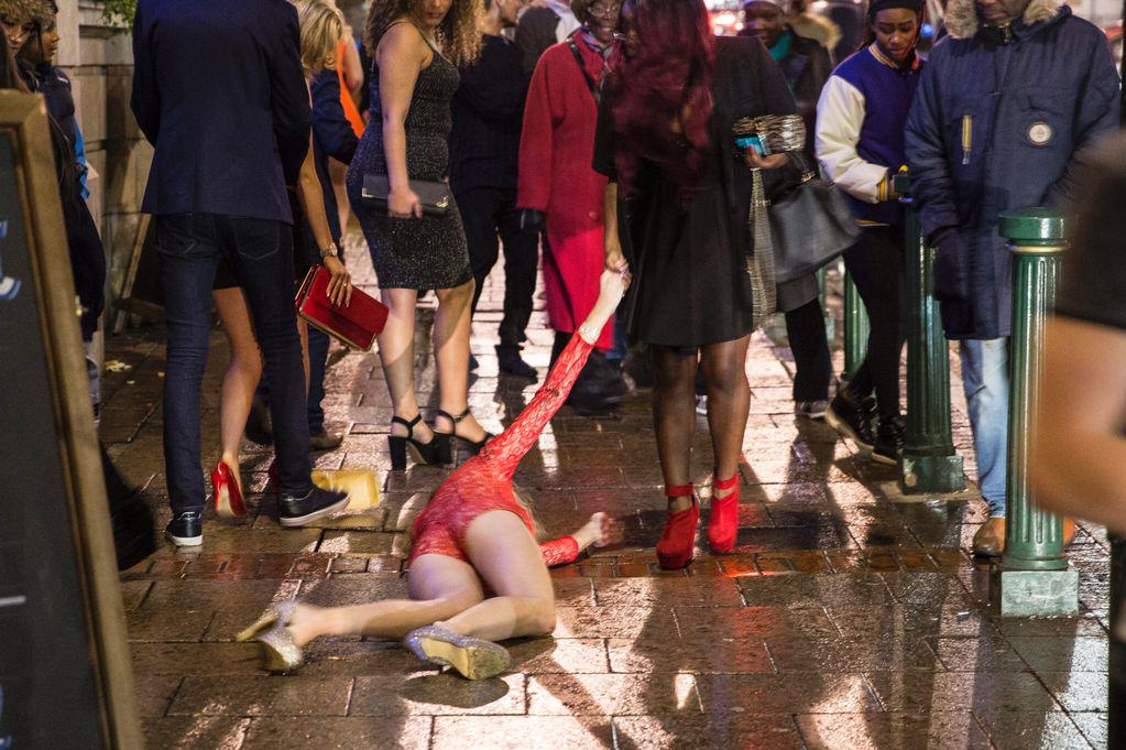BREAKING NEWS: Drinking Water Does Nothing To Prevent A Hangover UNILAD PAY London New Years night Daily Record5