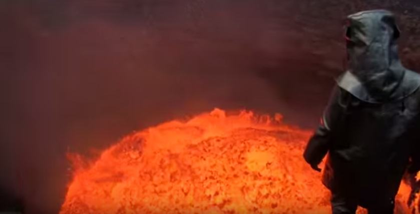 Footage Of Mans Death Defying Volcano Descent Has Gone Viral UNILAD Screen Shot 2015 08 25 at 17.04.352